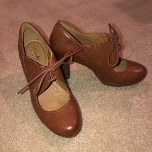 Clark's Artisan Brown Mary Jane Heels